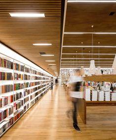 Livraria Cultura bookshop in São Paulo designed by Studio MK-27.