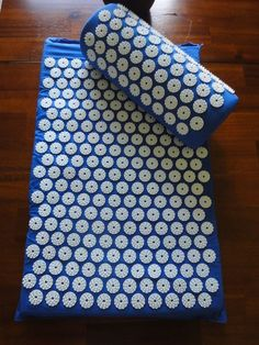 Royal Blue Acupressure Mat with Pillow Set - Sore Muscle Therapy - Back & Neck