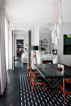 Casa Parigi stile classico - Living.  Love the fish over the table!