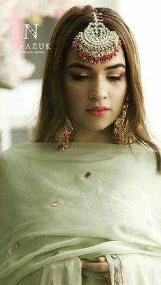 Pakistani Jewelry, Indian Wedding Jewelry, Pakistani Bridal, Indian Bridal, Pakistani Dresses, Tika Jewelry, Indian Jewelry Earrings, Nose Jewelry, Bridal Outfits