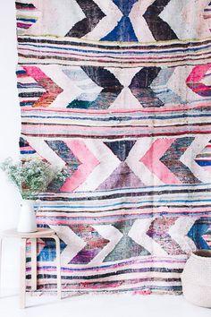 design attractor: Interiors with Amazing Rugs