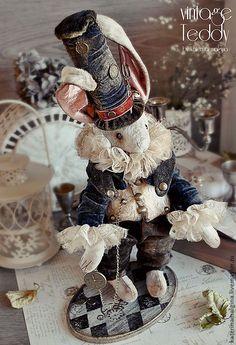 Paper Dolls, Art Dolls, Monkey Pattern, Mad Hatter Party, Rabbit Art, New Crafts, Animal Sculptures, Soft Sculpture, Cute Bunny