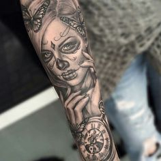 50 La Catrina Tattoo Designs For Men - Mexican Ink Ideas Mini Tattoos, Trendy Tattoos, Leg Tattoos, Body Art Tattoos, Tattoos For Women, Sleeve Tattoos, Tattos, Skull Girl Tattoo, Sugar Skull Tattoos
