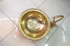Moroccan Brass engraved Sink with brass Faucet Double Handle Transform your bathroom into a little palace with this brass engraved lavabo. The shiny sink will bring you a golden morning every day. this amazing statement piece will give your bathroom or kitchen room a whole new look 💕Size brass Brass Kitchen, Brass Bathroom, Brass Faucet, Bathroom Sink Faucets, Vanity Sink, Kitchen Sink, You Are Wonderful, Basin Sink, Garden Supplies