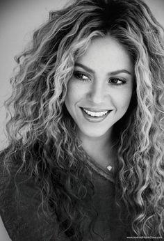 "( ☞ 2014 & 2015 ★ CELEBRITY MUSIC ★ SHAKIRA "" Pop ♫ Latin pop ♫ rock en español ♫ dance ♫ folk ♫ world ♫ "" ) ★ ♪♫♪♪ Shakira Isabel Mebarak Ripoll - Wednesday, February 02, 1977 - 5' 2"" 125 lbs 34-24-37 - Barranquilla, Colombia."