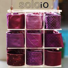 ¡Corbatas Italianas! En Solo io encuentras corbatas hechas en seda de muchos colores y estilos para cada día de la semana. http://www.elretirobogota.com/esp/?dt_portfolio=soloio