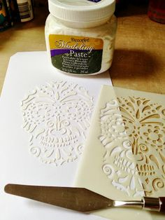 Julia's Stuff: It's Halloween - Let's Tag It On - A stencil (by Andy Skinner) and some modelling paste start to add texture to the tag surface. Plaster Crafts, Plaster Art, Stencils, Stencil Painting, Decoupage, Diy And Crafts, Arts And Crafts, Modeling Paste, Crafty Craft