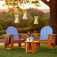 Awesome easy-to-make Adirondack Chairs.