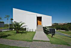 Casa GSL by Leandro Matsuda | HomeAdore #Casasminimalistas