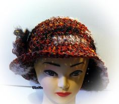 Eleganter Hut in einem exclusiven Garn passend zum Cape von Ulemo, €27.90