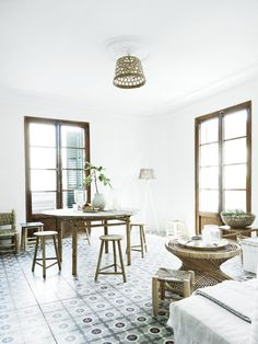 I just adore the beautiful floors and the cool, calm feel of it without forgetting the fact that if you are a Tine K Home fan, then you're in for a treat with the immaculately appointed decor.Take a look around this cool and eclectic interior! #interior #decor #eclectic