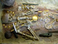 bulg0139.jpg | ENOLITHIC  | Varna Necropolis. Tomb of Chief with Gold Objects. | 4600 BCE-4200 BCE | Balkans | Enolithic | Gold | Varna Necropolis. Bulgaria. | | ©Kathleen Cohen |