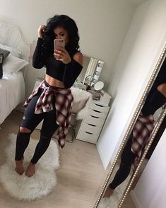 Pin on Casual Outfits ❤️ Are you looking for super cute outfits to wear to a concert? Here are some amazing looking outfits to keep you cute & comfy while you rock it out. Look Fashion, Teen Fashion, Fashion Outfits, Womens Fashion, Fashion Trends, Fashion Styles, Fashion Shops, Fashion Clothes, Latest Fashion