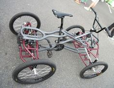 I spotted thsi at the Oregon Manifest party at the Chris King factory in NW Portland. Didn't get a chance to talk to the builder about the specifics of the quad. 4 Wheel Bicycle, Trike Bicycle, Motorized Bicycle, Motorcycle Bike, Velo Cargo, E Biker, Bike Engine, Auto Retro, Chopper Bike
