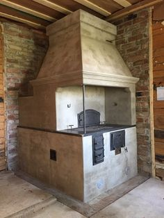 KAITALAN: leivinuuni Bread Oven, Wood Fired Oven, Stove Fireplace, Kitchen Stories, Rocket Stoves, Old Kitchen, Hearth, Firewood, Fireplaces