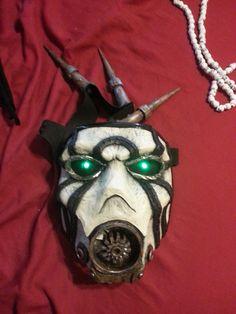 Borderlands Psycho Mask.. want!