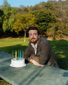 I love Jason Segel. He's so giant and adorable I want to hug him always. He looks so cuddley.
