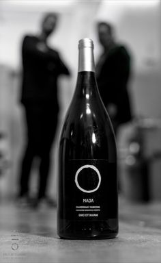 Brothers #caciara This is a brother wine, named #mada which means Massimo and Davidel. Two brothers and two different lives: Massimo the globetrotter around the world and Davide well rooted in the vineyard.