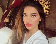 Makeup for Teens-Mastering the Basics – LovelYou Diy Beauty Face, Diy Beauty Makeup, Natural Makeup Tips, Skin Makeup, Natural Hair Styles, Hair Beauty, Brunette Beauty, Beauty Hacks For Teens, Makeup For Teens