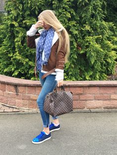 Outfit: BLUE