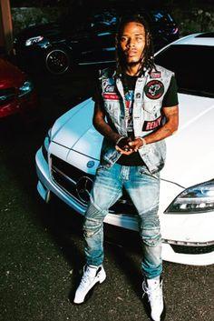 Fetty Wap - Sits on his car