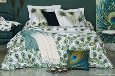 tendance plumes de paon #paon #peacock #coussin #linge #lit #chambre #becquet #bedroom #couette #plume #