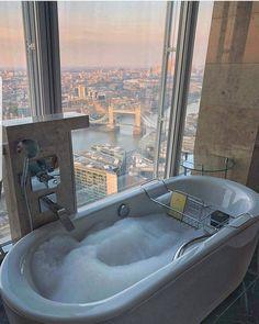 Apartment Goals, London Apartment, Dream Apartment, Shangri La London, Future House, My House, Resorts, Living In New York, Luxury Living