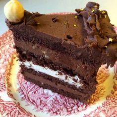 as minca o felie de tort diplomat zice petruta dinu Crazy Cakes, Fudge Cake, Brownie Cake, Sweet Recipes, Cake Recipes, Dessert Recipes, Beste Brownies, Romanian Desserts, Custard Cake