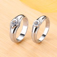 Personalized Solitaire Moissanite Wedding Bands For Couples In Silver,his & hers Matching Wedding Bands,Customized Promise Rings For Him and Her. Matching Couple Rings, Matching Wedding Bands, Wedding Band Sets, Matching Couples, Vintage Engagement Rings, Diamond Engagement Rings, Halo Engagement, Infinity Ring Wedding, Infinity Rings