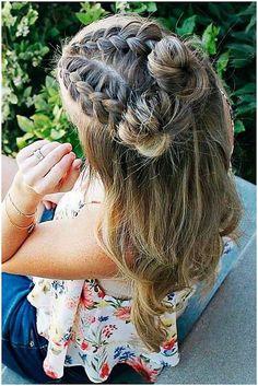7 Surprising Cool Ideas: Messy Hairstyles Bun funky hairstyles for round faces.P… 7 Surprising Cool Ideas: Messy Hairstyles Bun funky hairstyles for round faces.Pixie Hairstyles Accessories bun hairstyles with curls. Wedge Hairstyles, Spring Hairstyles, Funky Hairstyles, Little Girl Hairstyles, Everyday Hairstyles, Vintage Hairstyles, Braided Hairstyles, Wedding Hairstyles, Feathered Hairstyles