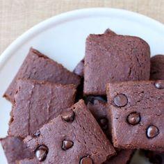 Jeudi Patisserie | Recette Brownie à l'Okara (Pulpe de soja) Vegan Cake, Cookies Et Biscuits, Brownies, Candy, Chocolate, Desserts, Okara Recipes, Sweet Recipes, Cake Brownies