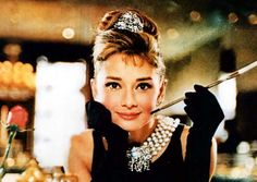 audrey hepburn breakfast at tiffany's | Audrey Hepburn in Breakfast at Tiffany's