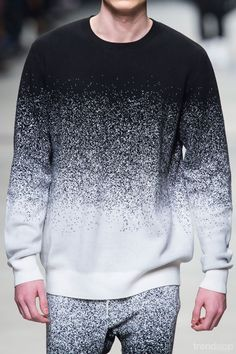 Trendstop - trend analysis for fashion and creative professionals Marcelo Burlon Fall Winter Boy Fashion, Mens Fashion, Fashion Ideas, Fashion 2017, Fashion Design, Fashion Trends, Fall Fashion, Athleisure, Trend Analysis