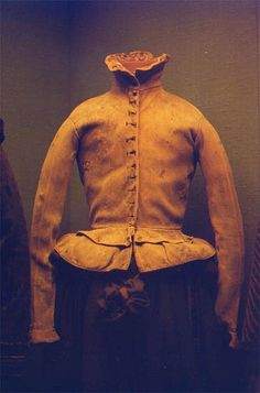 Doublet - Italian Renaissance- Jackets that ended anywhere from the waist to below the hip 17th Century Fashion, 16th Century, Tudor Costumes, Historical Artifacts, Doublet, Italian Renaissance, Historical Costume, Men Sweater, How To Wear
