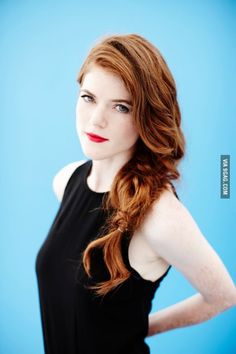 Sporty and sexy portrait of Rose Leslie (Ygritte) with long red hair and… Rose Leslie, Red Hair Woman, Long Red Hair, Scarlett, Corte Y Color, Gorgeous Redhead, Redhead Girl, Ginger Hair, Beautiful Actresses