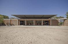 Galería de Centro de Aprendimiento Lanka / feat.collective - 2