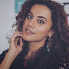 Hot Actresses, Beautiful Actresses, Indian Actresses, South Indian Film, South Indian Actress, Bollywood Actors, Bollywood Celebrities, Bollywood Saree, Bollywood Fashion