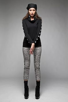Taylor 'Follow the line' collection, Winter 2013 www.taylorboutique.co.nz Taylor Boutique - Extent Top