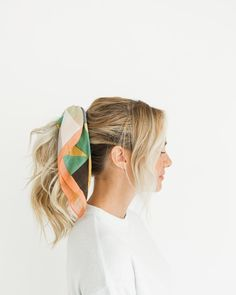 Prisma Bandana Hair Ideas In 2019 Medium Layered Hair Layered - bandana hairstyles grunge bandana hairstyles bob Bandana Hairstyles For Long Hair, Girly Hairstyles, Ponytail Hairstyles, Grunge Hairstyles, Beautiful Hairstyles, Medium Layered Hair, Hair Starting, Hair Day, Hair Inspo