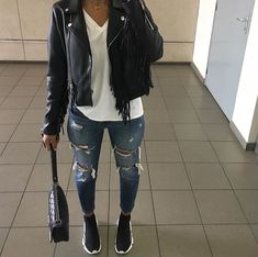 Cute Outfits For Women In 2020 ~ Magazzine Fashion Chill Outfits, Mode Outfits, Cute Casual Outfits, Casual Chic, Fashion Outfits, Fashion Tips, Fall Winter Outfits, Summer Outfits, Denim Look