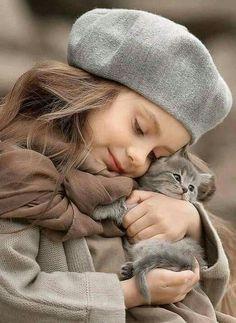 perros y gatos tiernos ile ilgili görsel sonucu So Cute Baby, Cute Kids, Cute Babies, Animals For Kids, Cute Baby Animals, Animals And Pets, Beautiful Children, Animals Beautiful, Hug Your Cat Day