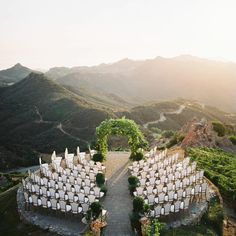 Raise your hands if you wish this was you ceremony venue! What a stunning location! Photo by Design Floral Design Rentals Venue Wedding Day Wedding Planner Your Big Day Weddings Wedding Dresses Wedding Bells Wedding Cake Wedding Goals, Wedding Themes, Wedding Styles, Wedding Decorations, Decor Wedding, Wedding Photos, Garden Wedding, Patio Wedding, Wedding Dresses