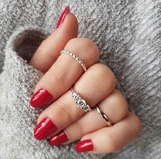 Ringe Schmuck schöne hände Pandora, Swarovski, Shops, Starter Set, Jewelry Stores, 18k Gold, Jewelry Design, Polish, Jewels