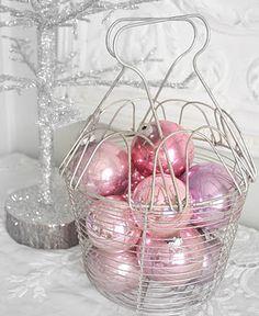 DIY:: Turn Dollar Store Ornaments  Vintage....