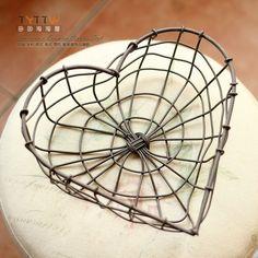 Risultati immagini per cesti fil di ferro