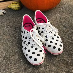 🎉HP🎉Kate Spade for Keds polka dots sneakers Super cute! It's a little dirty otherwise they're in goodcondition. They are pretty true to size. ❌❌NO TRADES AND LOWBALLING❌❌ kate spade Shoes Sneakers