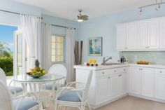 23 Kitchens With Ceiling Fans - http://homedesignfind.press/23-kitchens-with-ceiling-fans/