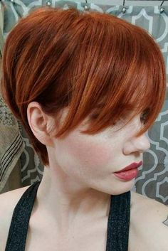 Pixie Haircuts for Thin Hair Pictures now on our web site! You can try the short layered haircuts fine hair. Stylish Short Haircuts, Short Layered Haircuts, Thin Hair Haircuts, Haircut For Thick Hair, Haircut Short, Red Pixie Haircut, Haircut Styles, Bob Haircuts, Short Hair With Layers
