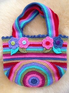 Look What Ive Made - Projects - Crochet - Jolly chunky bag Crochet Monkey, Cute Crochet, Crochet Motif, Crochet Flowers, Crochet Patterns, Crochet Handbags, Crochet Purses, Jumbo Yarn, Patchwork Bags