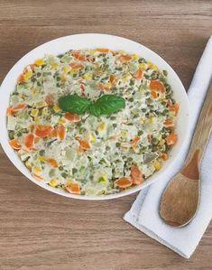 Salată boeuf Cheeseburger Chowder, Quiche, Breakfast, Recipes, Food, Morning Coffee, Recipies, Essen, Quiches